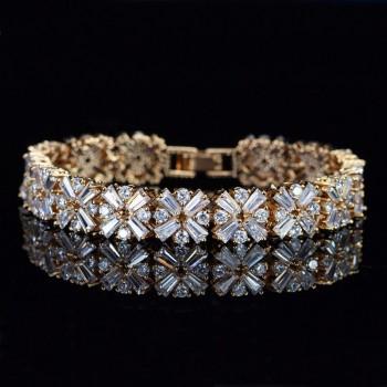Гривна с кристали от цирконий